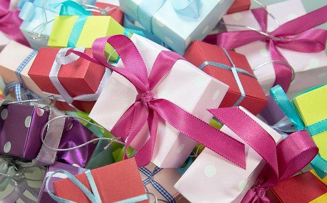 gift 444520 640